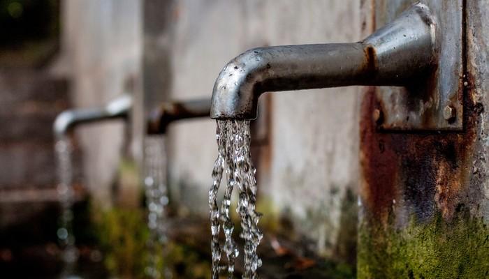 Une fontaine à eau publique